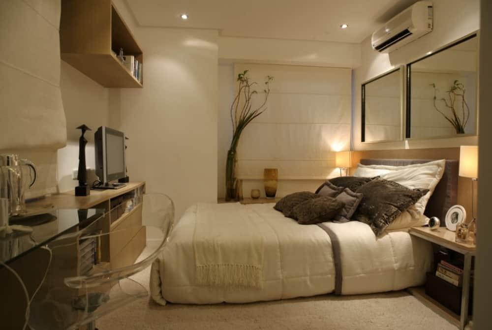 3480-2-br-master-bedroom.jpg